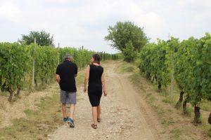 Jolanda met Paolo in de wijngaard